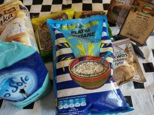 domowy chleb żytni z ziarnami na drożdżach i na zakwasie