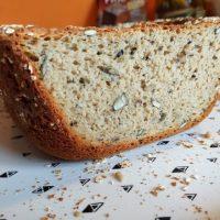Przepis na duży chleb żytni na zakwasie i drożdżach